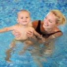 К чему снится купать своего ребенка