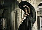к чему снится знакомая в черной одежде